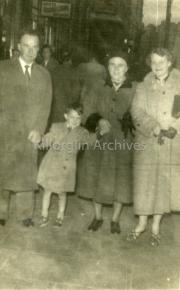 1957 Pat O'Riordan With his Uncle Jimmy, Hannah Coffey and Maura Lynch in Dublin023.jpg